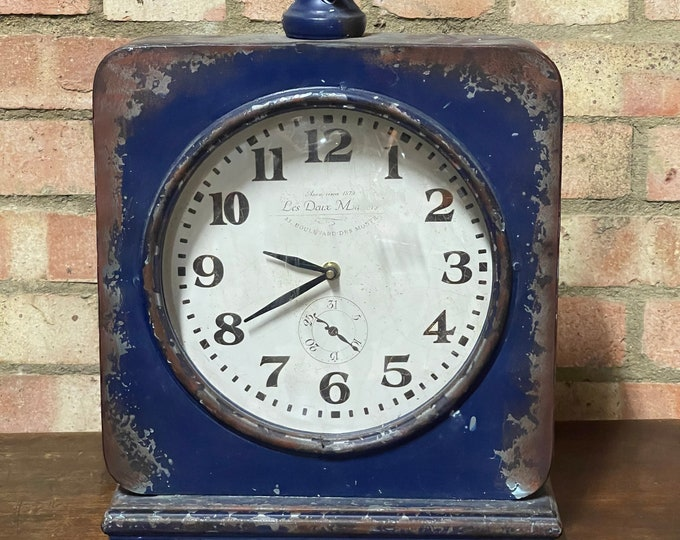 Large Vintage French Les Deux Magots Battery Operated Mantle Clock.