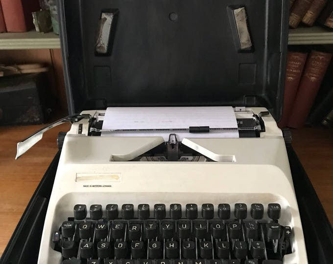 Vintage German Adler T-A Gabriele 25 Typewriter With Case
