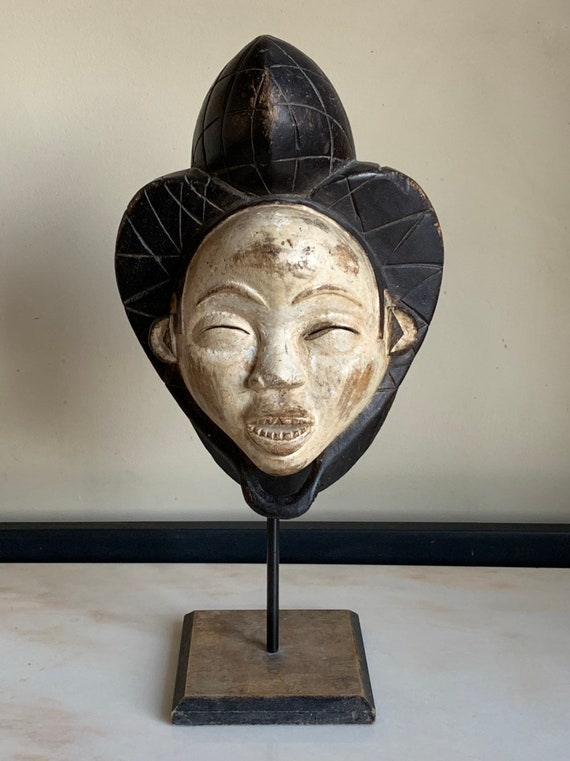 Gabon African Tribal Mask Mounted on A Plinth - Fabulous Interior Designer Piece
