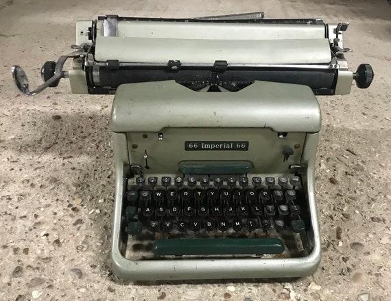 Fabulous Vintage Retro 1960's Imperial 66 Typewriter