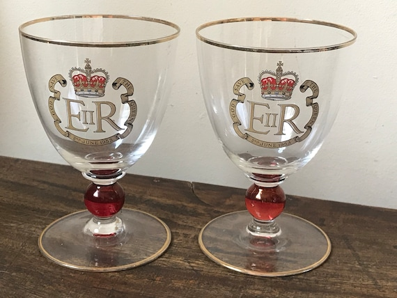 Beautiful Pair of Queen Coronation 1953 Wine Goblets with Gilt Rims