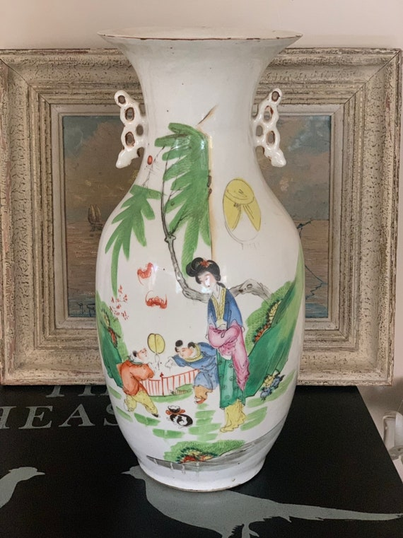 Beautiful Large Antique Twin Handled Chinese Hand Painted Vase
