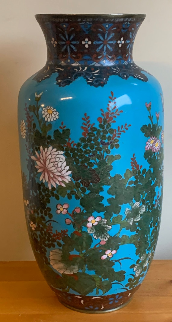 Beautiful Antique 19th Century Japanese Cloisonne Vase