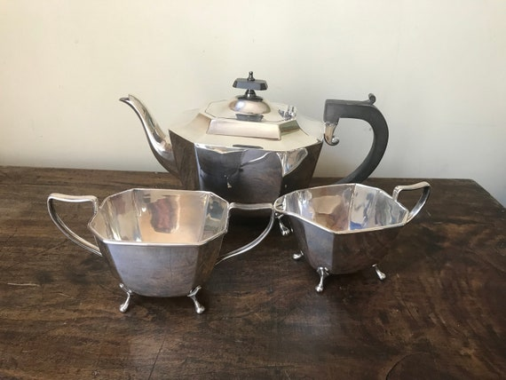 Beautiful Stylish Quality Art Deco 1920's Harrison Fisher & Co A1 Silver Plate Tea Set On Lion Feet