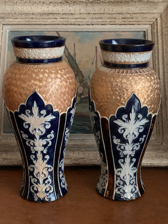 Pair Of Absolutely Stunning Vintage Royal Doulton Vases