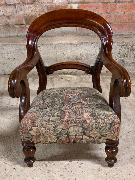 Wonderful Victorian Mahogany Child's Chair