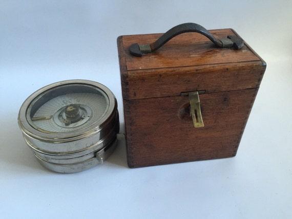 Vintage c1900's Toulet Imperatur Racing Pigeon Clock In Original Oak Case
