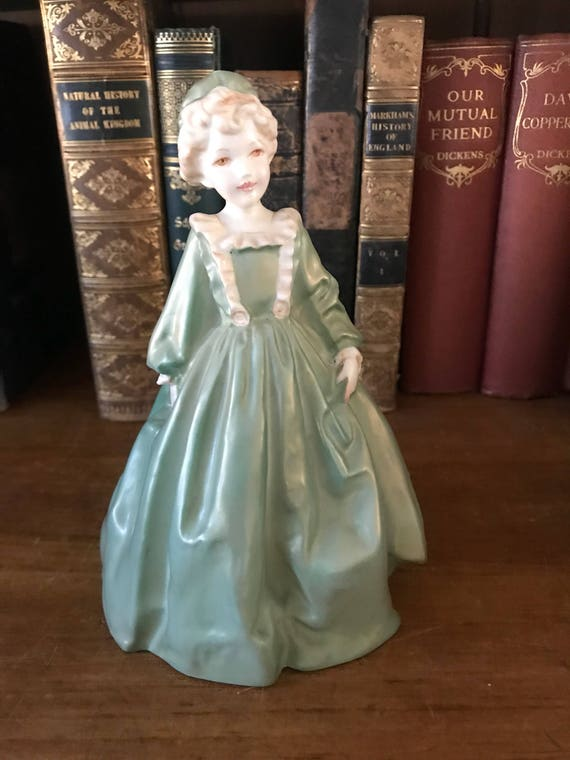 Beautiful Royal Worcester Grandmother's Dress Figurine in Green and Gold Lustre