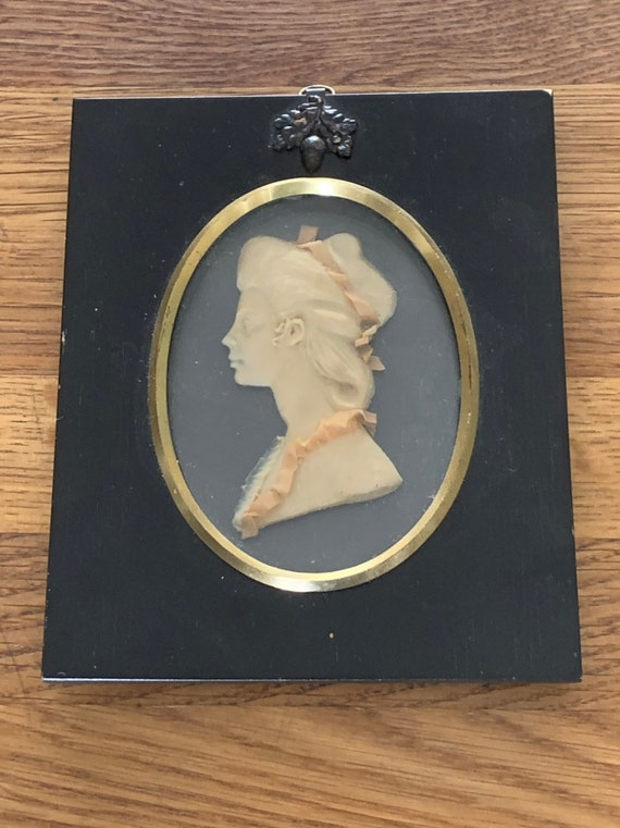 Beautiful Original Wax Relief Miniature Portrait By Leslie Ray Of London