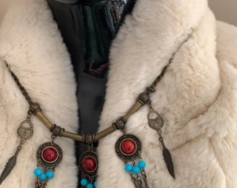 An Unusual Trench Art Necklace (Possibly Native American/Canadian) With Turquiose Stones and Red Cabochons - Marked Artilery Regiment
