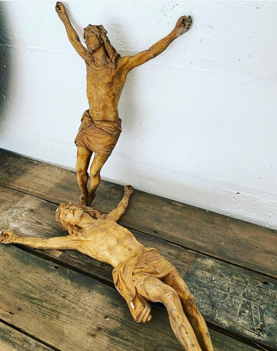 Pair Of Exquisite 19th Century (poss Earlier) Corpus Christi Figurines