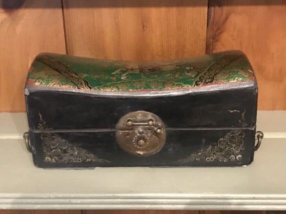 Antique Vintage Chinese Black Lacquered Gilt Hand Painted Pillow Box