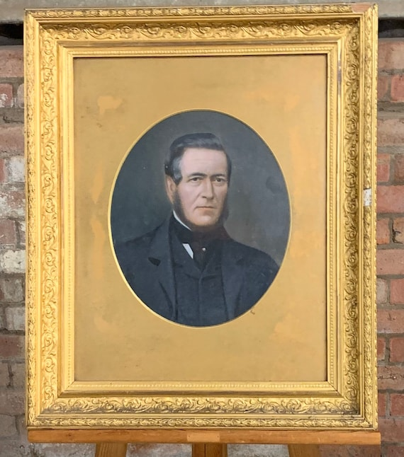 Lovely Well Executed Original 19th Century Portrait Oil Painting of a Gentleman