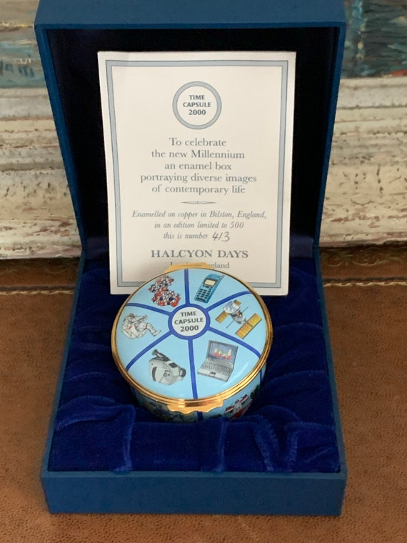 Limited Edition 413/500 Halcyon Days Enamels Millenium Time Capsule 2000 Trinket Box