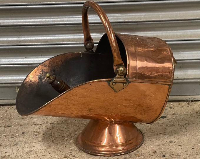 Lovely Victorian Copper Coal Scuttle With Shovel
