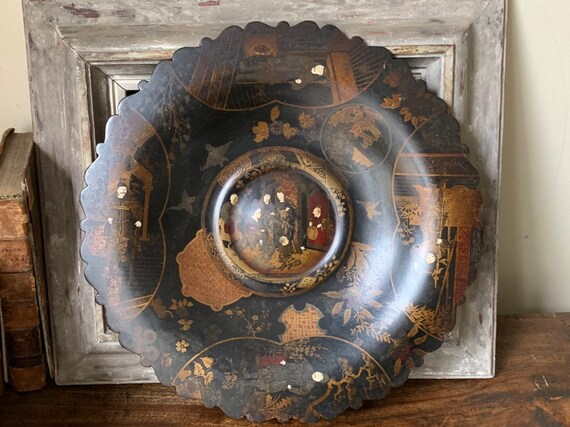 Beautiful Large Decorative 19th Century Hand Painted Oriental Papier Mache Display Dish
