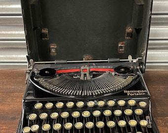 Rare Early 1920's Antique Remington Portable Typewriter.