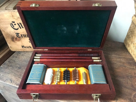 Superb Quality Mahogany 12bore Gun Cleaning Kit By Pendleton Royal - Unused