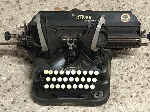 Vintage Oliver Model No.5 Batwing Typewriter