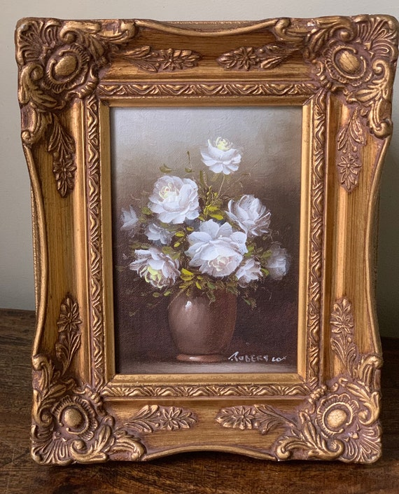 Superb Robert Cox Still Life Oil Painting of White Flowers in a Vase in a Decorative Gilt Frame