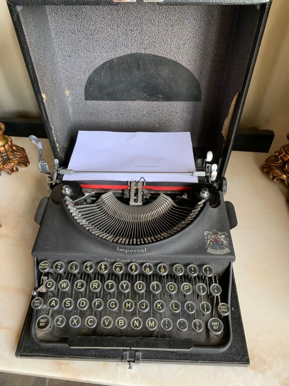 Fabulous Vintage Imperial Good Companion Portable Typewriter in Working Order