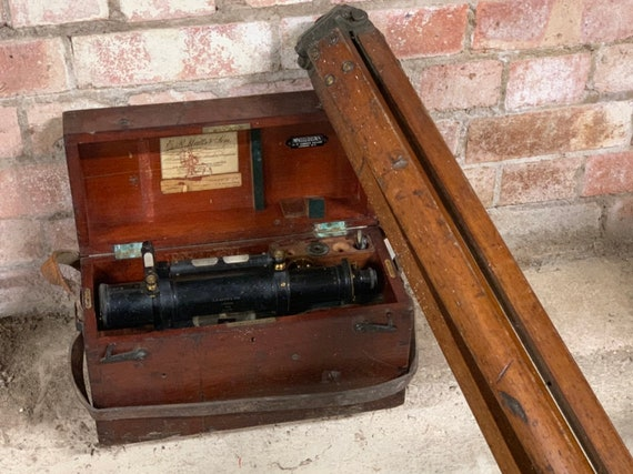 Fabulous 1916 E R Watts Surveyors Level Numbered 433 With Tripod, Complete with Original Box