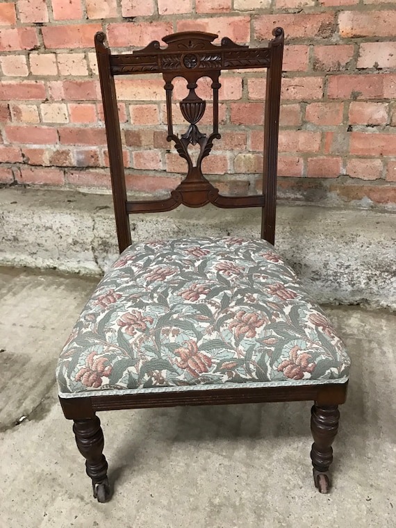 Beautiful Edwardian Salon Chair With Wonderful Scrolled Carving To The Back Rest