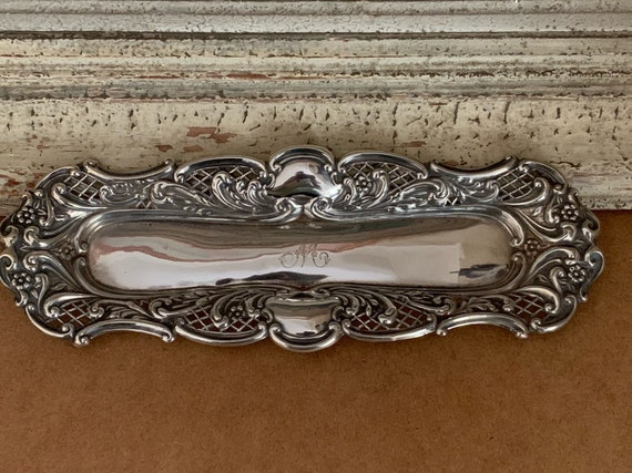 Beautiful Decorative Late Victoria Snuffer Tray Hallmarked Birmingham 1900
