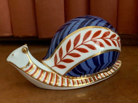 Lovely Royal Crown Derby Snail Paperweight With Stopper