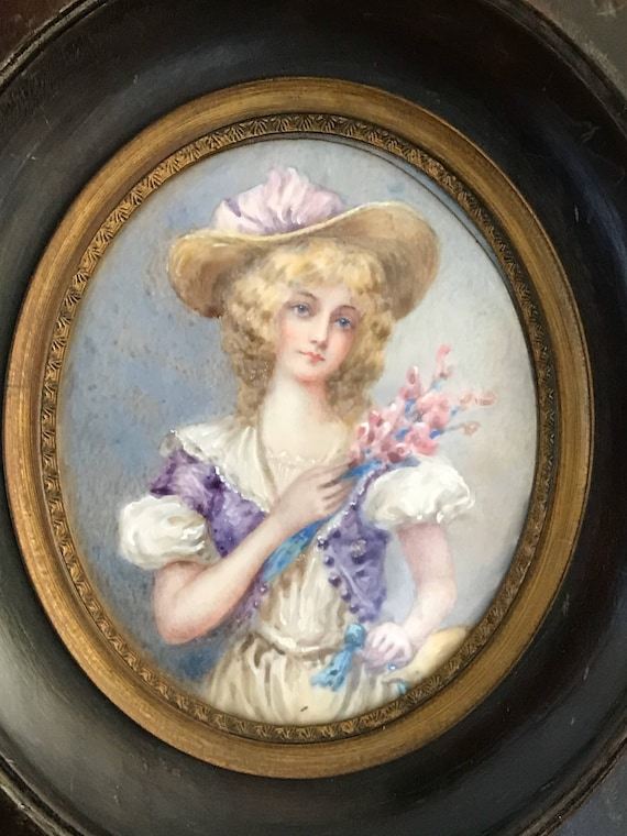 Beautiful 19th Century Oval Miniature Watercolour Portrait of a Young Lady