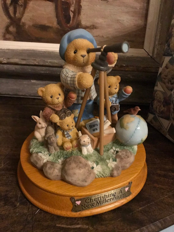 Cheeished Teddies Winfield Limited Edition Millenium Figurine 'Anything is possible when you wish on a star'