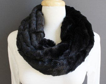 Pink Frosted Winter Faux Fur Mobius Snood Infinity Scarf Cowl Neck Warmer New