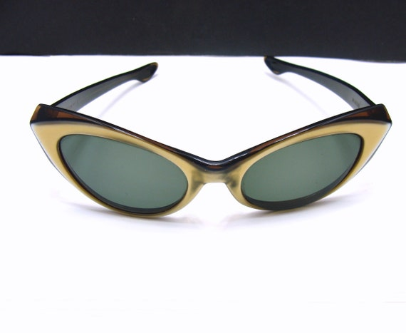9729afadba69 ... get vintage ray ban marche sunglasses cats eye sun glasses etsy 6f64d  717a6