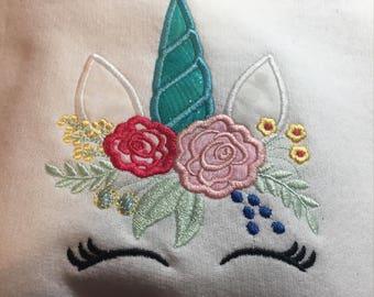 Unicorn Sweatshirt, YOUTH Sweat Shirt, White Crew Neck Sweatshirt, Appliqué Sweatshirt
