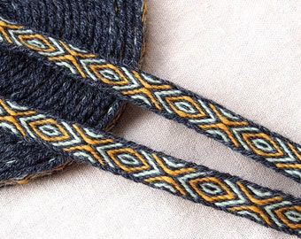 Tablet woven woolen trim, length to choose, viking trim, tablet weaving, card woven, woven braid, Brettchenborte, reenactment, Viking dress