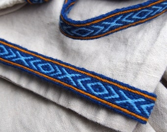Tablet woven trim card woven braid viking trim Brettchenborte Viking dress tablet weaving reenactment Viking tunic