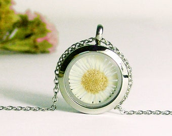 20mm daisy necklace,pressed daisy necklace,real daisy necklace,real pressed daisy,memory locket,botanical jewellery -with gift box