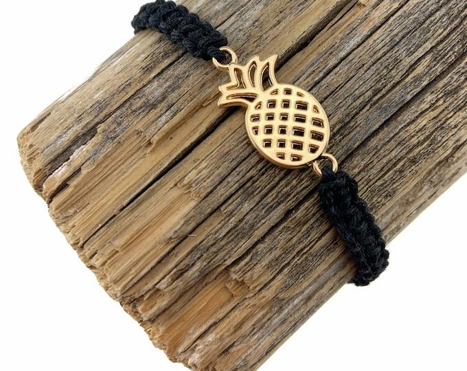 Gold Pineapple Macrame Bracelet