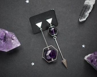 Asymmetric earrings with natural purple amethyst