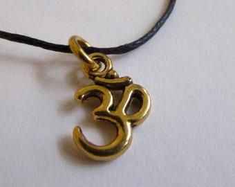 Om Ohm Aum Charm On Wax Cord Yoga Jewellery Adjustable Unisex Free UK Shipping + Gift Bag CH4