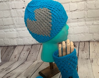 Fingerless gloves ans matching hat set. Blue crochet