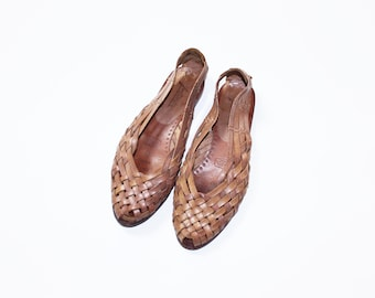 bde2629f25f8 Vintage 80s Leather Woven Huarache Shoes    Flats    Footworks    Light  Brown    Tan   Size 7 M   Sandals Brazil   Victory Peep Toe Slip Ons