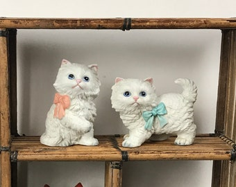 2 Vintage Persian Kitten Figurines with Bows - Homco Little White Ceramic Cats - Cute Nursery Knick Knacks Shelf Decor - Gift for Cat Lovers