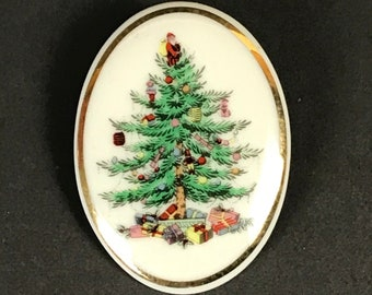 Spode Christmas Tree Porcelain Brooch - Vintage Oval Holiday China Pattern Lapel Pin Accessory- Heartfelt Jewelry Gift for the Retro Hostess