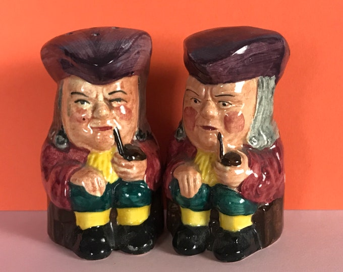 Quirky Vintage Pipe Smoking Colonial Men Salt & Pepper Shaker Set - Unique Toby Jug Style Shakers - Collectible Curio Oddities Gifts / Decor