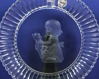 Little Girl & Teddy Bear Collectors Plate - 1981 - Annual Goebel Crystal Glass Decorative Dish - West Germany - Nursery - Christmas Gift