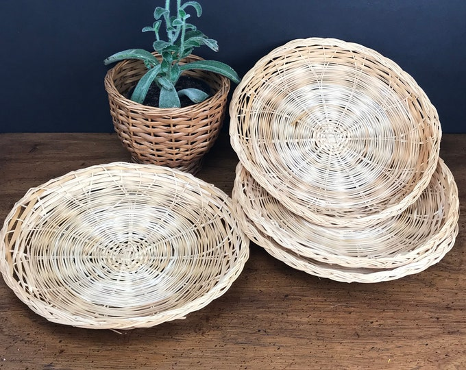 4 Vintage Wicker Rattan Picnic Plate Holders - Woven Wicker Plates - Bohemian Tablescape - Boho Chic Dining Room - Outdoor Table Decor