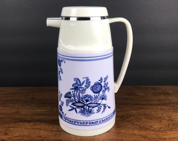 Vintage Delft Blue Insulated Coffee Carafe - Thermal Tea Pot Beverage Pitcher - Plastic Thermos w/ Locking Lid & Spout - Picnic Drink Holder