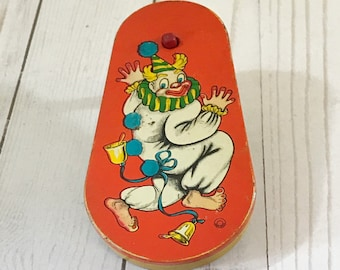 Vintage Metal Clown Noise Maker - Tin Ratchet Noisemaker - 1950's Party Toy - Barefoot Clown Litho - Old Toys - Circus Theme - Nursery Decor
