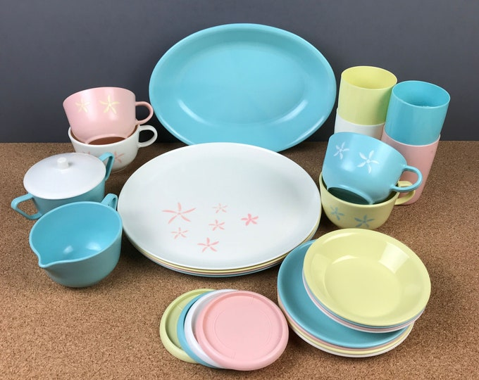 28pc 1950's Melamine Dishes in Pastel Pink, Blue, White & Yellow w/ Atomic Flower - MCM Casual Dinnerware, Retro Picnic or Camping Plate Set